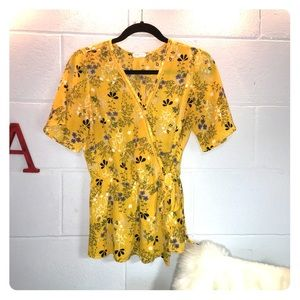 Sienna sky yellow floral top with side tie 😍🔥